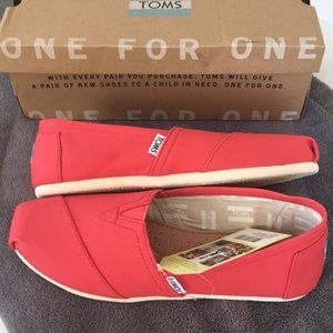 Toms classic in coral canvas